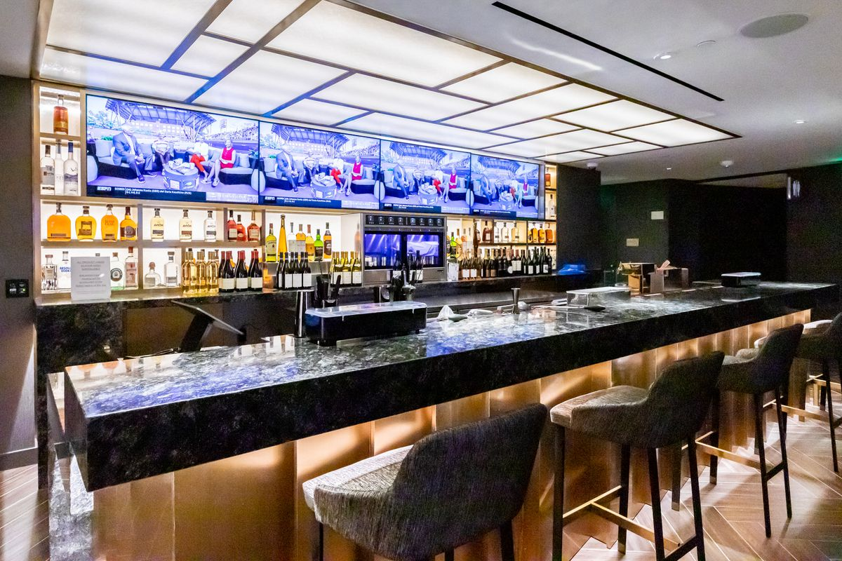 Chase Center SF Restaurants: What to Eat and Drink at the