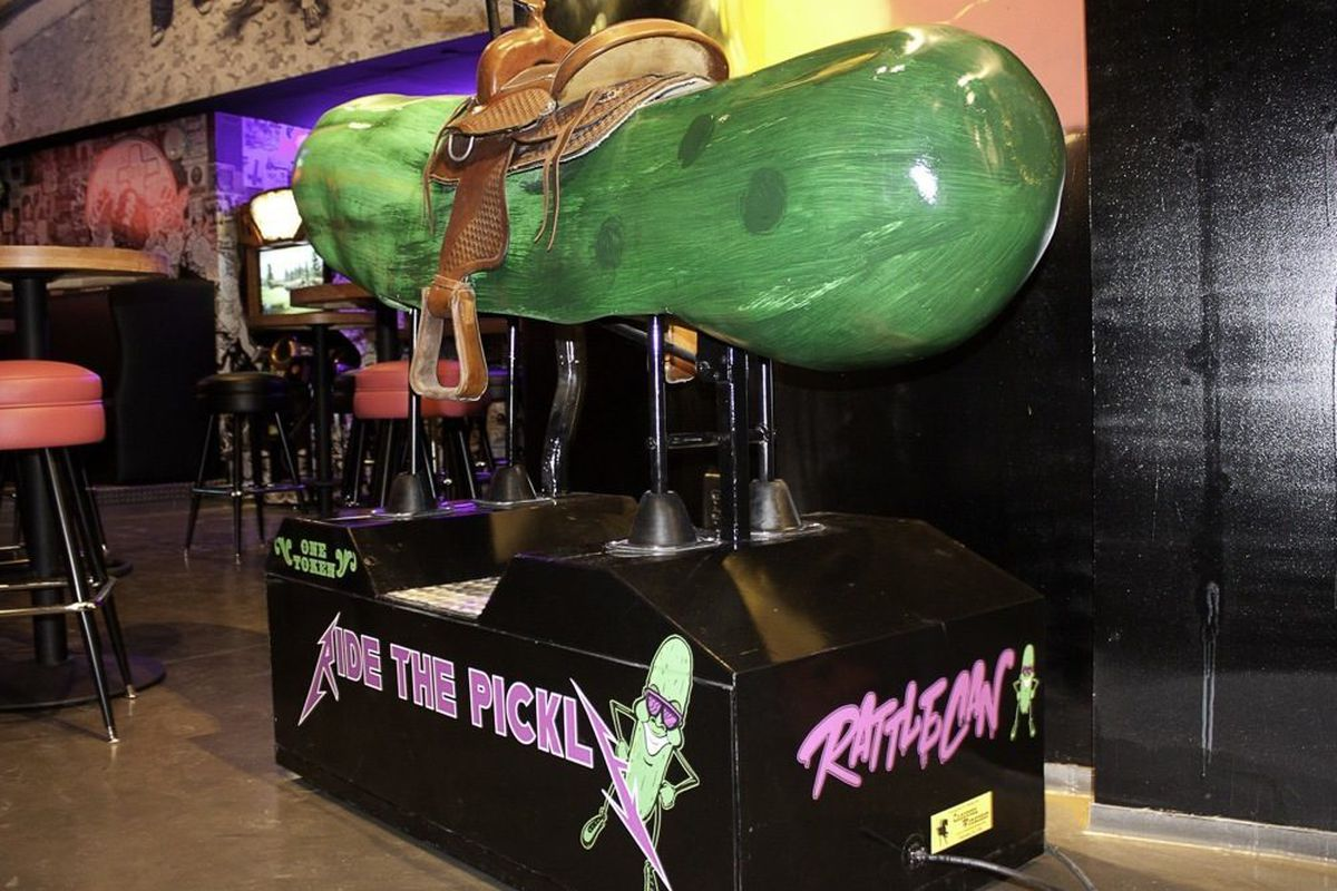 The mechanical pickle at Rattlecan.