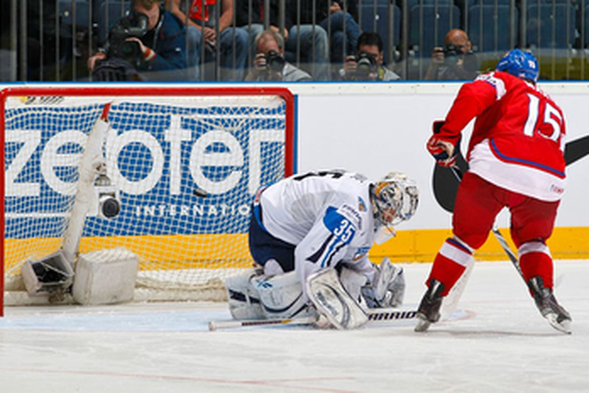 Jan Marek sent the puck to the net and the  Finns back home. Photo: Jukka Rautio / HHOF-IIHF Images