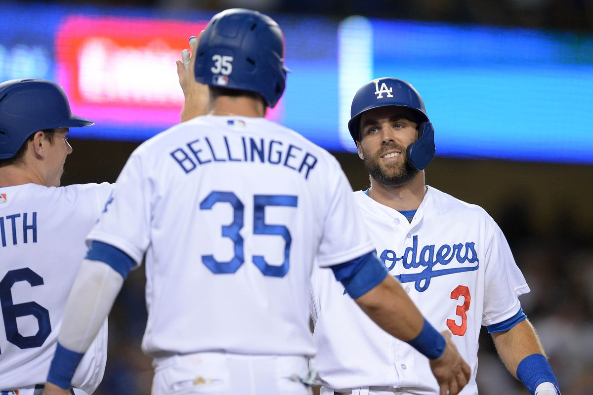 Dodgers hit five homers and score 16 in win