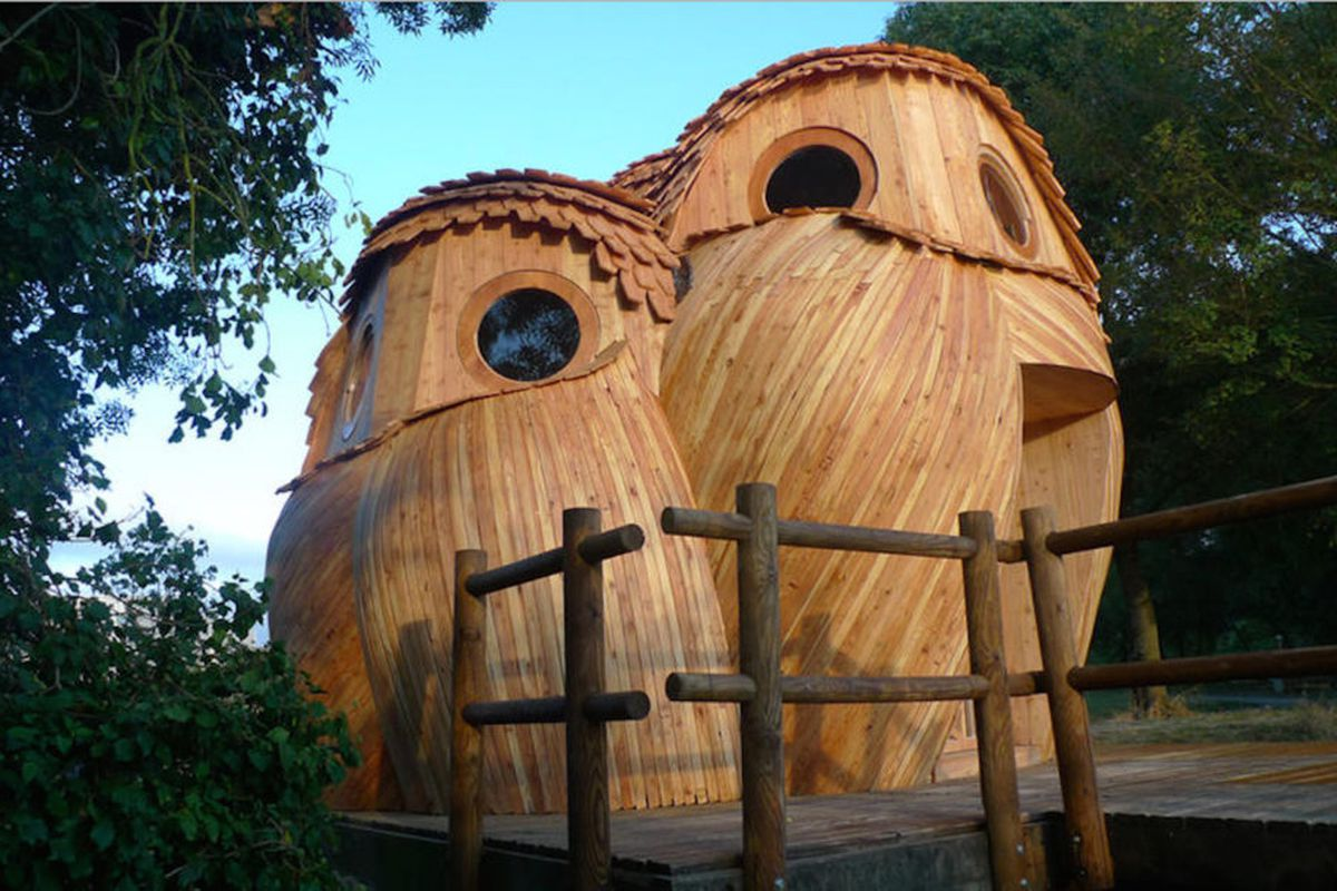 owl-shaped cabins in france