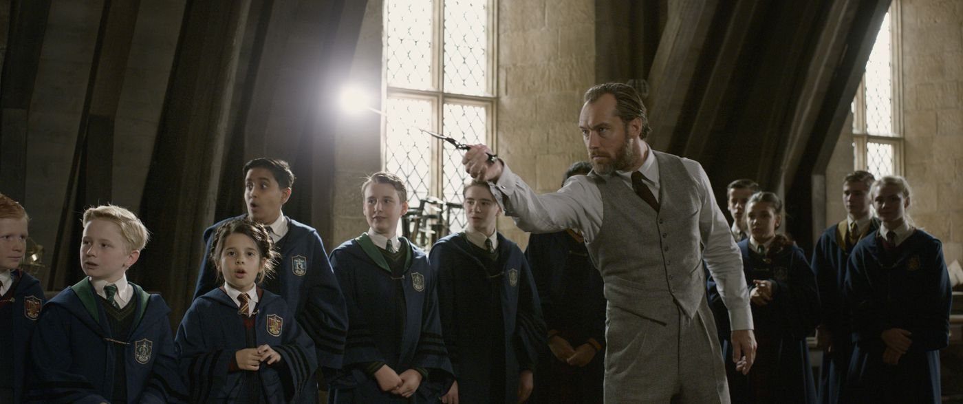 The biggest unanswered questions from Fantastic Beasts: The Crimes ...