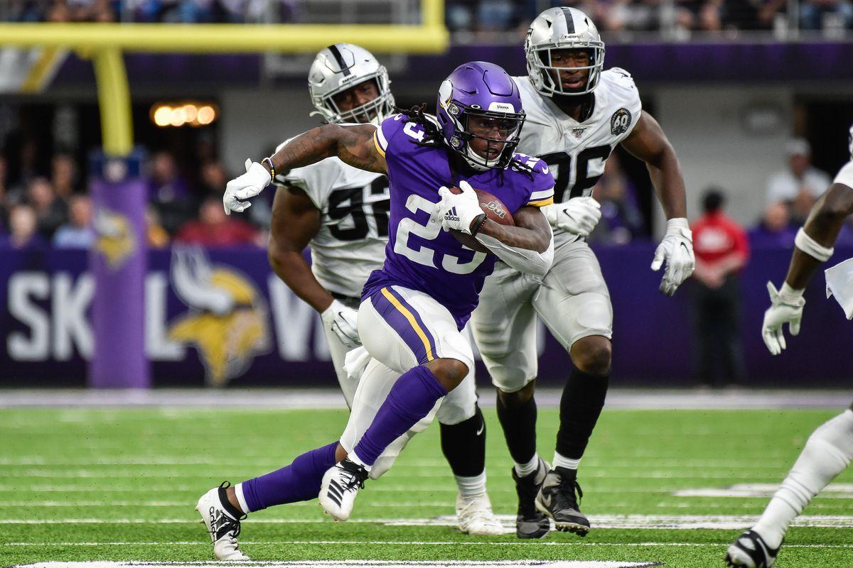 NFL: Oakland Raiders at Minnesota Vikings