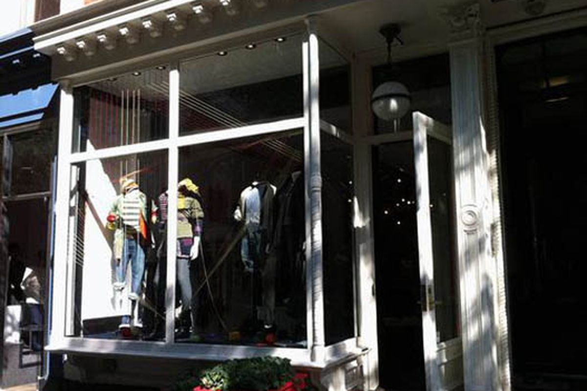 """Image via <a href=""""http://theshophound.typepad.com/the_shophound/2010/10/today-in-brand-extensions-hilfiger-completes-transformation-to-tommy.html?utm_source=feedburner&amp;utm_medium=feed&amp;utm_campaign=Feed%3A+TheShophound+%28The+Shophound%29&am"""