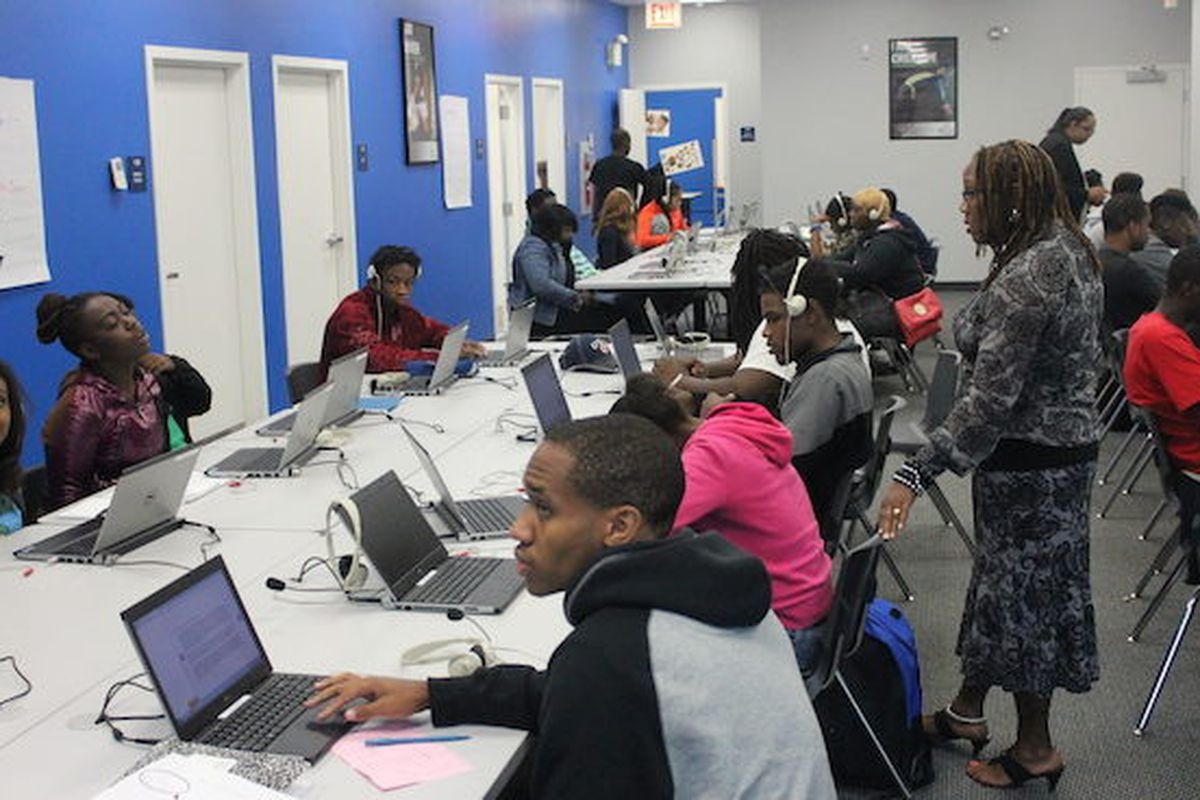 Students work on computers at a Bridgescape school run by EdisonLearning in the Englewood neighborhood of Chicago that closed in 2017.