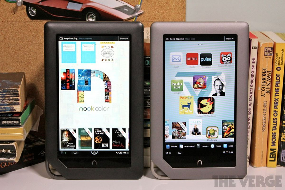 Barnes & Noble drops the price of the Nook Color and Nook