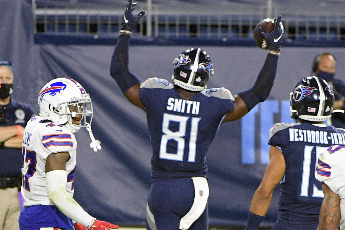 Tennessee Titans tight end Jonnu Smith celebrates after scoring a touchdown during the second half at Nissan Stadium.