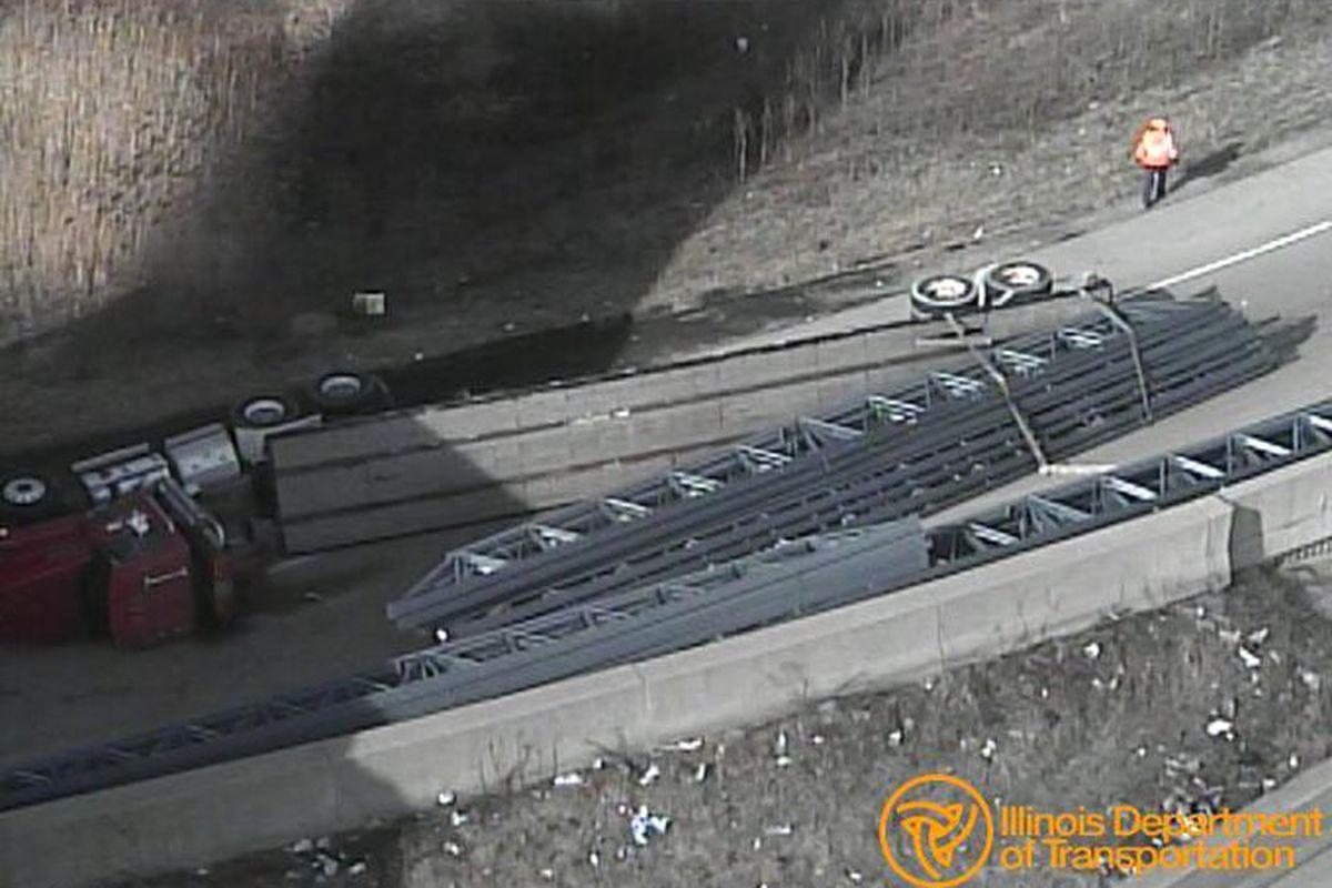 A crash shut down the ramp from northbound Illinois 394 to westbound Interstate 80/294.
