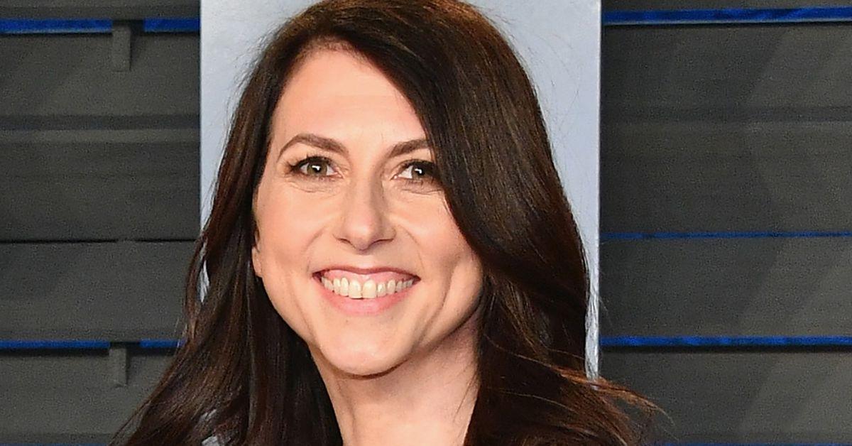 MacKenzie Scott, ex-wife of Amazon's Jeff Bezos, gives away $ 2.7 billion