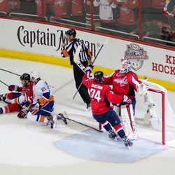 Carlson Arrives First to Holtby