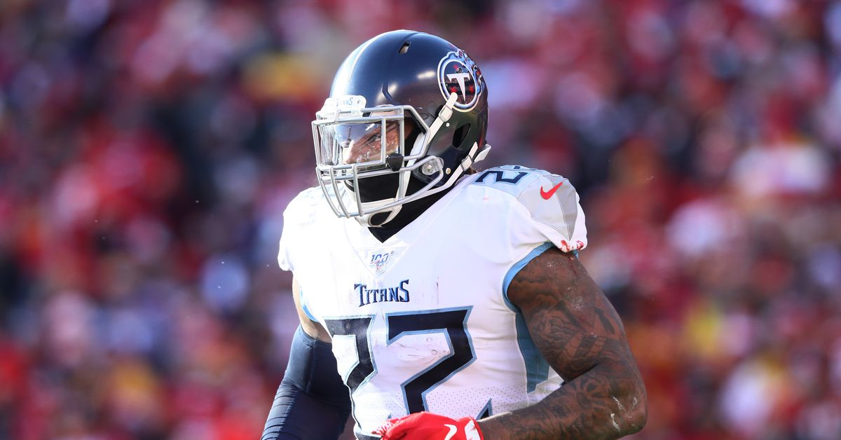 Derrick Henry signs his franchise tag tender, two sides are still working towards a long term deal