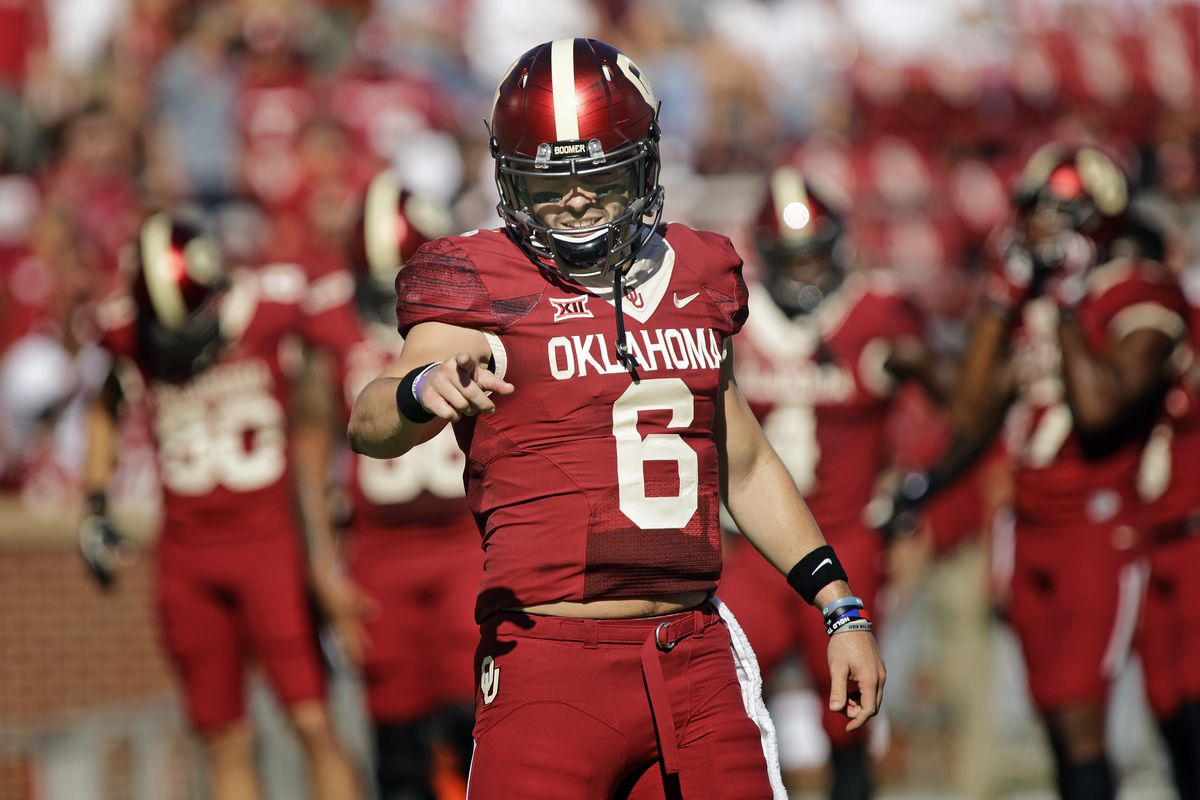 NORMAN, OK:  Oklahoma Sooners quarterback Baker Mayfield (6) pauses during pregame warmups before taking the field against the Iowa State Cyclones at Gaylord Family Oklahoma Memorial Stadium.