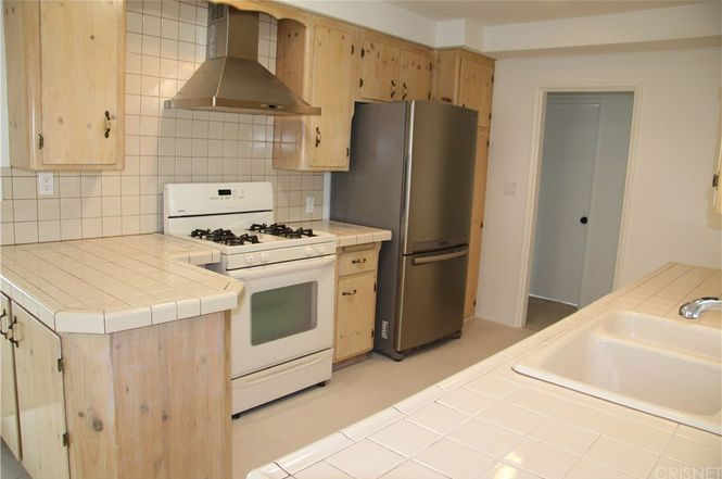 Small and plain kitchen