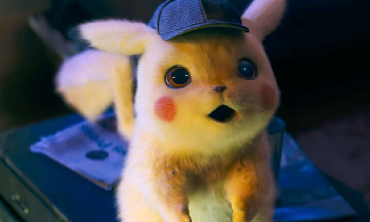 Detective Pikachu - Pikachu looking up