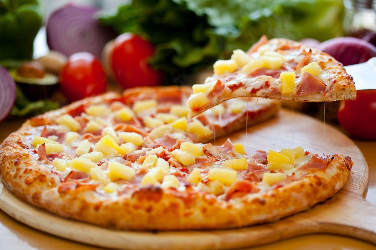 Afbeeldingsresultaat voor pineapple pizza