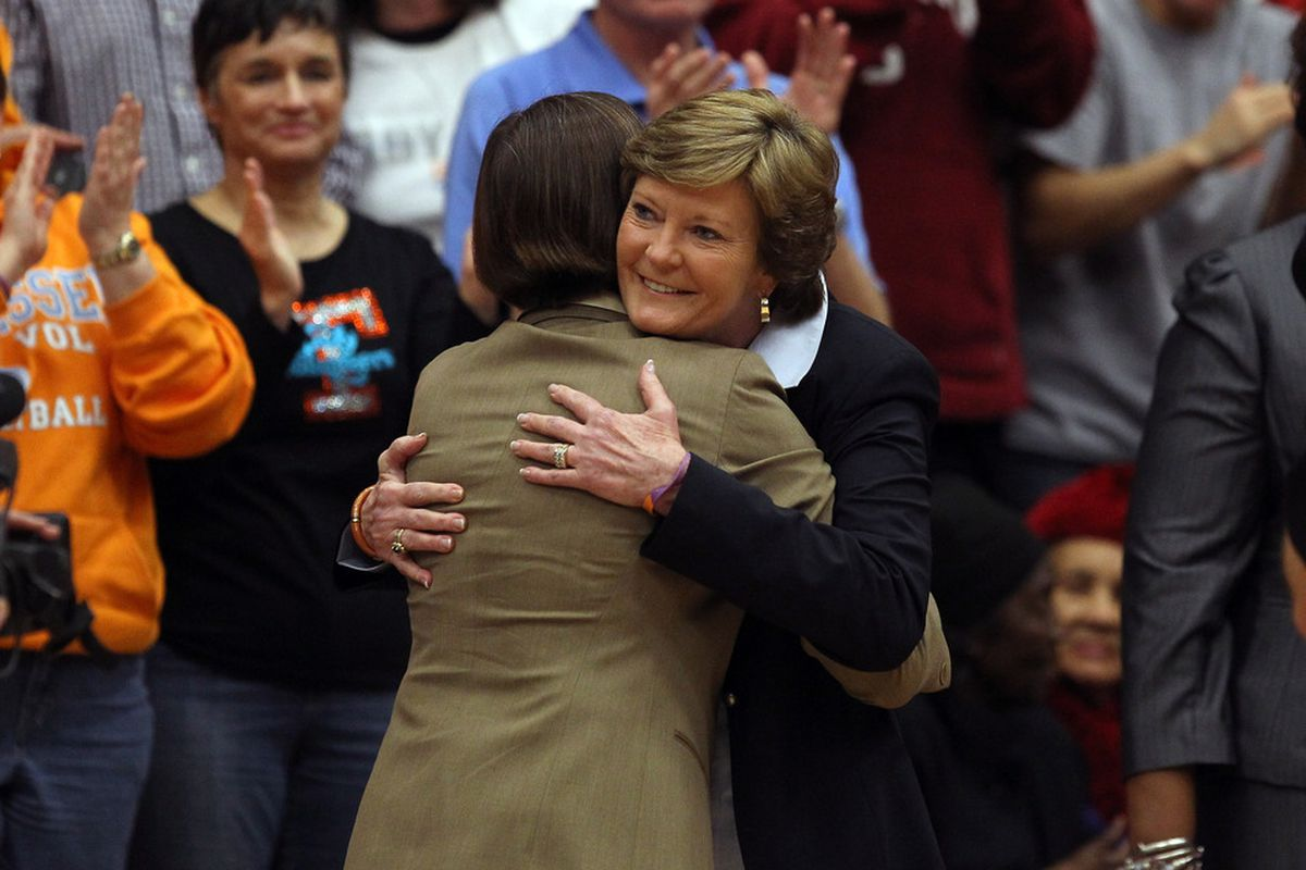 Tara VanDerveer hugs Pat Summitt before Stanford's game against Tennessee at Maples Pavilion. Summitt, who revealed that she has early-onset dementia before the season, received a standing ovation when she walked onto the court.