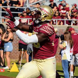 RS JR TE Mavin Saunders looks for pass during warm-ups