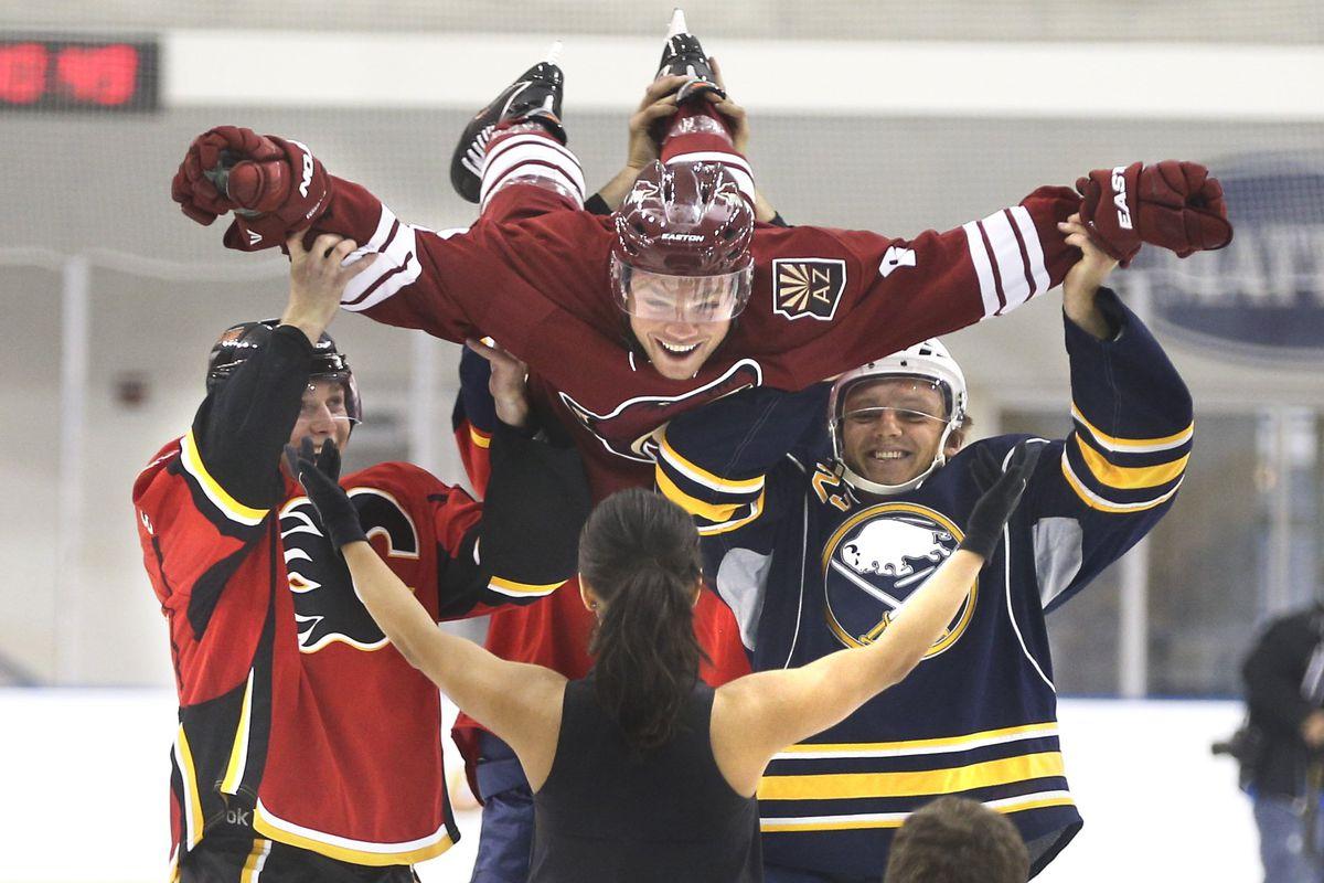 NHL rookies get photos taken