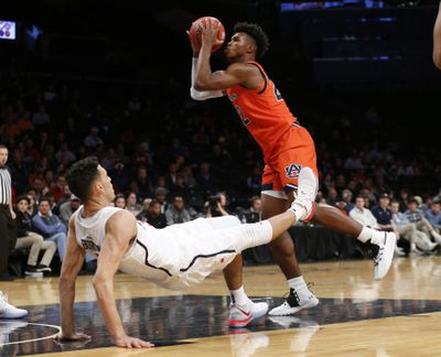 NCAA Basketball: Richmond at Auburn