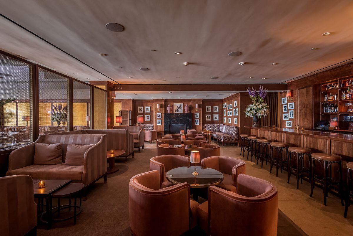Sunset Tower Bar