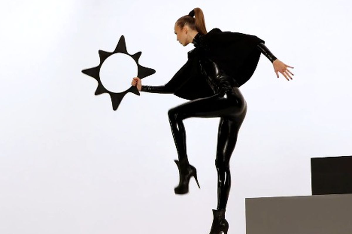 """Karlie in the behind the scenes video, via <a href=""""http://abullseyeview.com/video-target-neiman-marcus-holiday-collection-ad-campaign-karlie-kloss/"""">A Bullseye View</a>"""