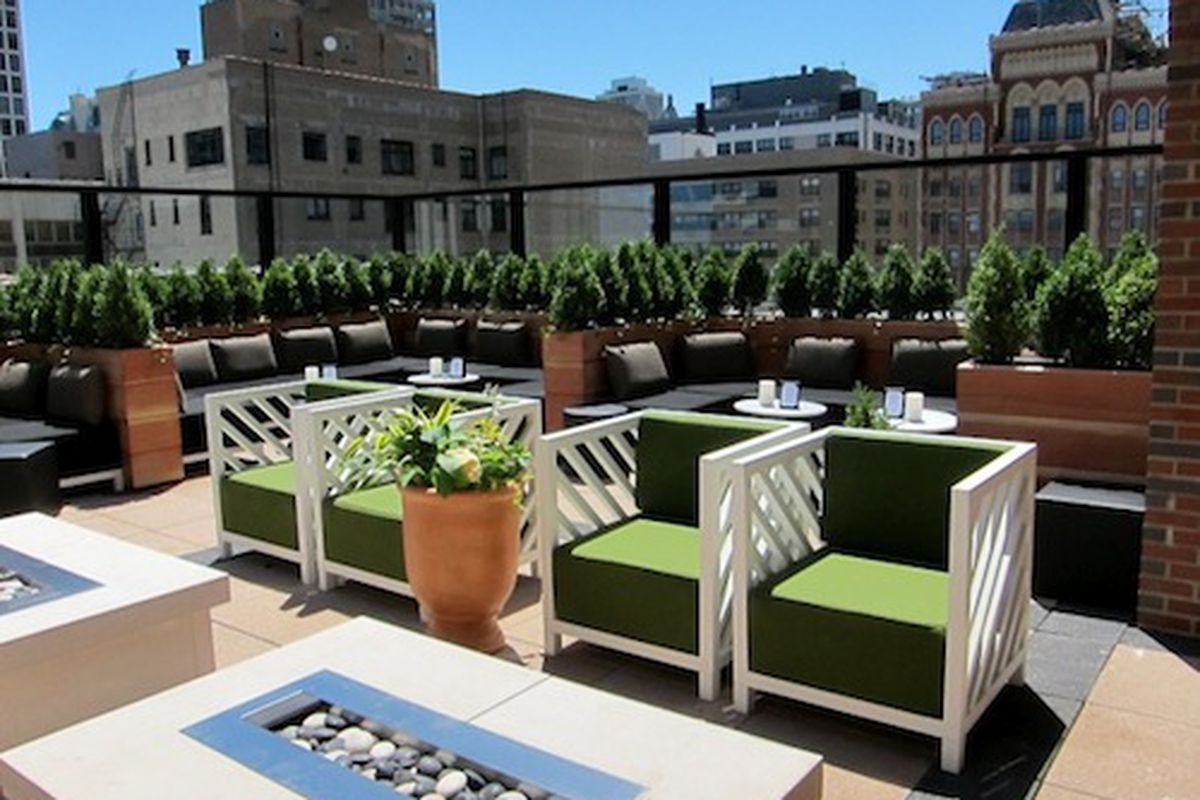 """Image via <a href=""""http://www.hotelchatter.com/story/2012/6/8/142343/2567/hotels/DrumBar_Opens_Today_Atop_Chicago%92s_Raffaello_Hotel"""">Hotel Chatter</a>"""