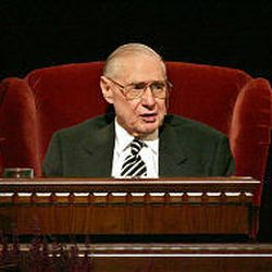 President James E. Faust sits while speaking during the Saturday morning session. He is recovering from a back problem.