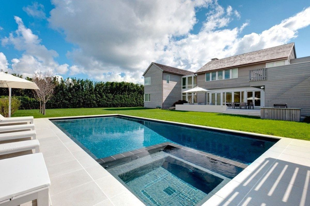 here are the latest trends in hamptons pool design
