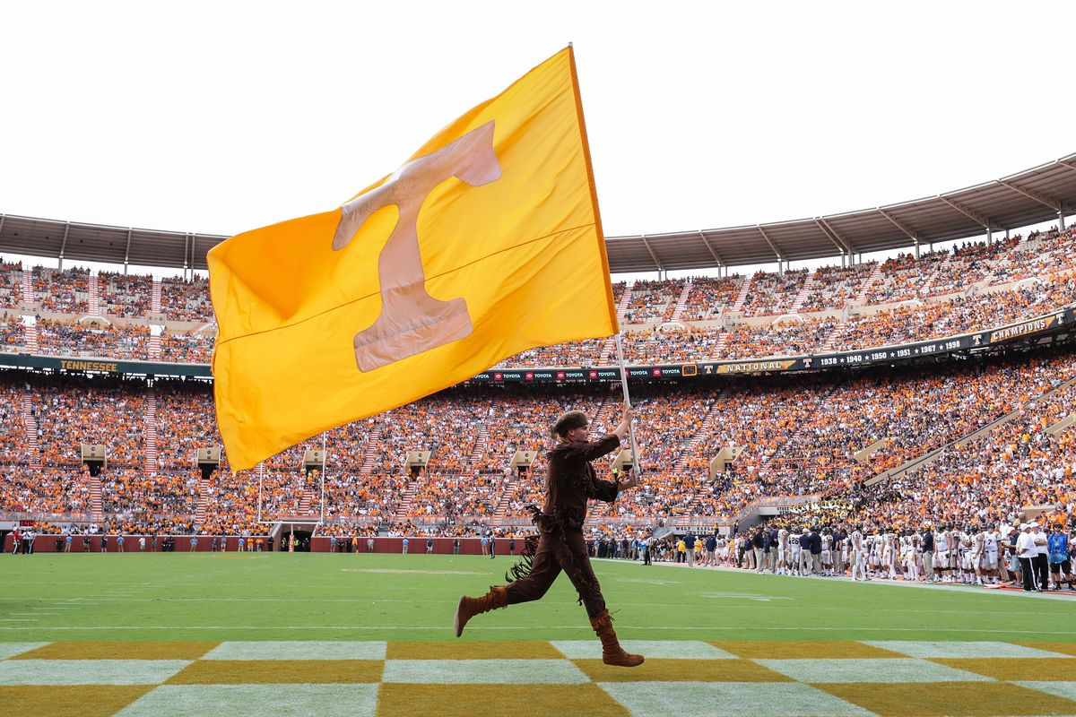 UT Vols Recruiting: Tennessee offers fast rising 2020 pass rusher