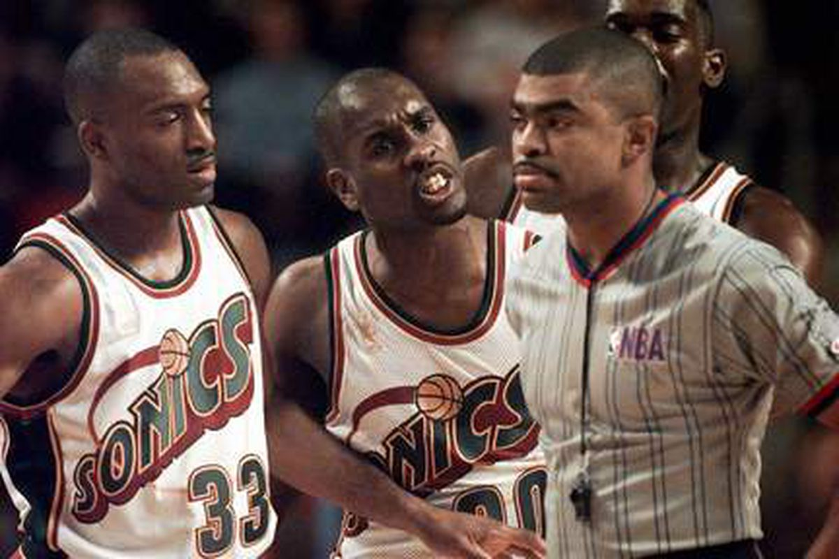 Gary Payton upset with the controversial no-call at the end of Game 2.
