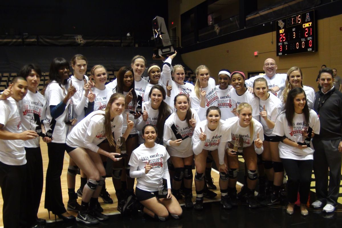 The UCF Volleyball team won The American in 2014.  Two players remain from this team in 2017. (Photo: Jeff Sharon)