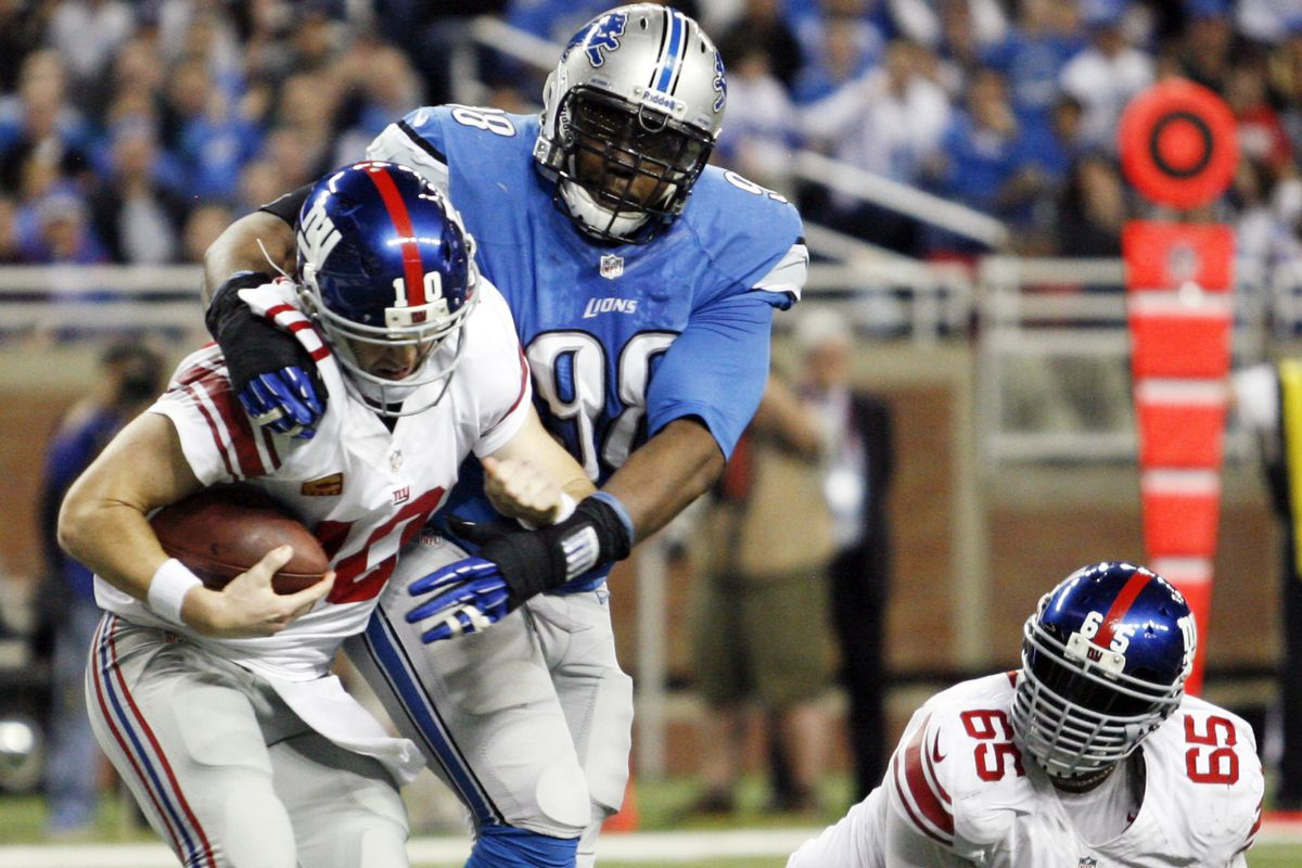 Nick Fairley sacks Eli Manning for a safety during a 2013 game