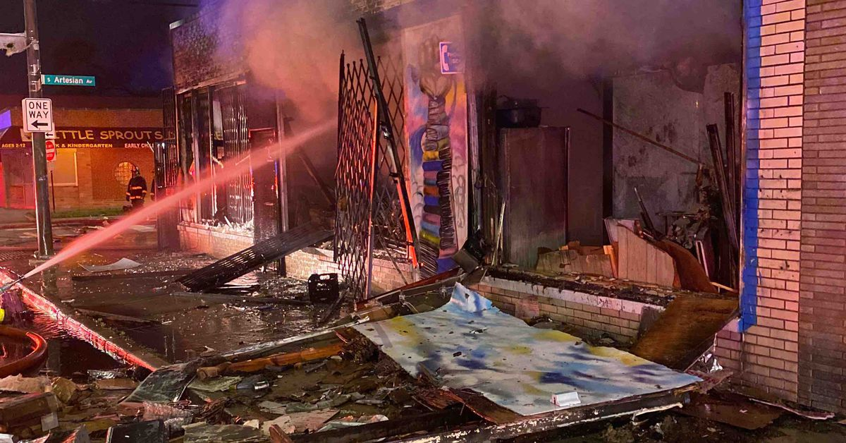 Image Here's how you can help looted Chicago businesses rebuild