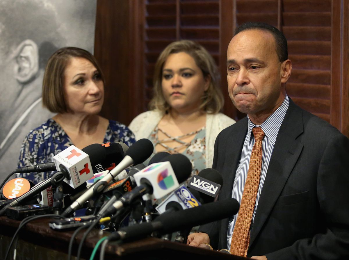 Jessica Washington Gutierrez (center) was with her mother Soraida when her father, U.S. Rep. Luis Gutiérrez (D-Ill.), announced last year that he would retire from Congress at the end of his current term. Now she plans to announce on Monday a run for the