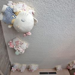 A closer look at those dreamy Hello Kitty clouds.