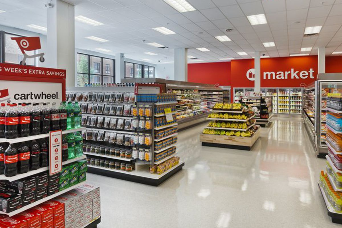 "Photo via <a href=""http://www.retailcustomerexperience.com/photos/photos-inside-the-new-targetexpress-format/"">Retail Customer Experience</a>"