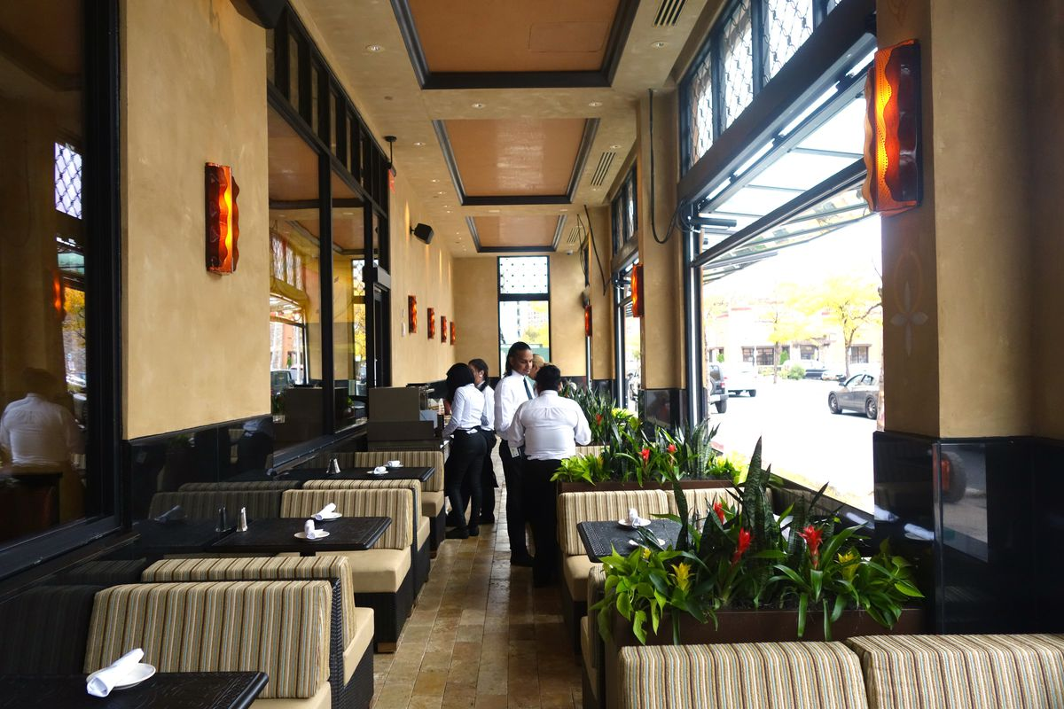 Cheesecake Factory S Been Eyeing Es In New York City For Years Rowe Says The Company Opened Its First Restaurant 1978 Beverly Hills And Now Has