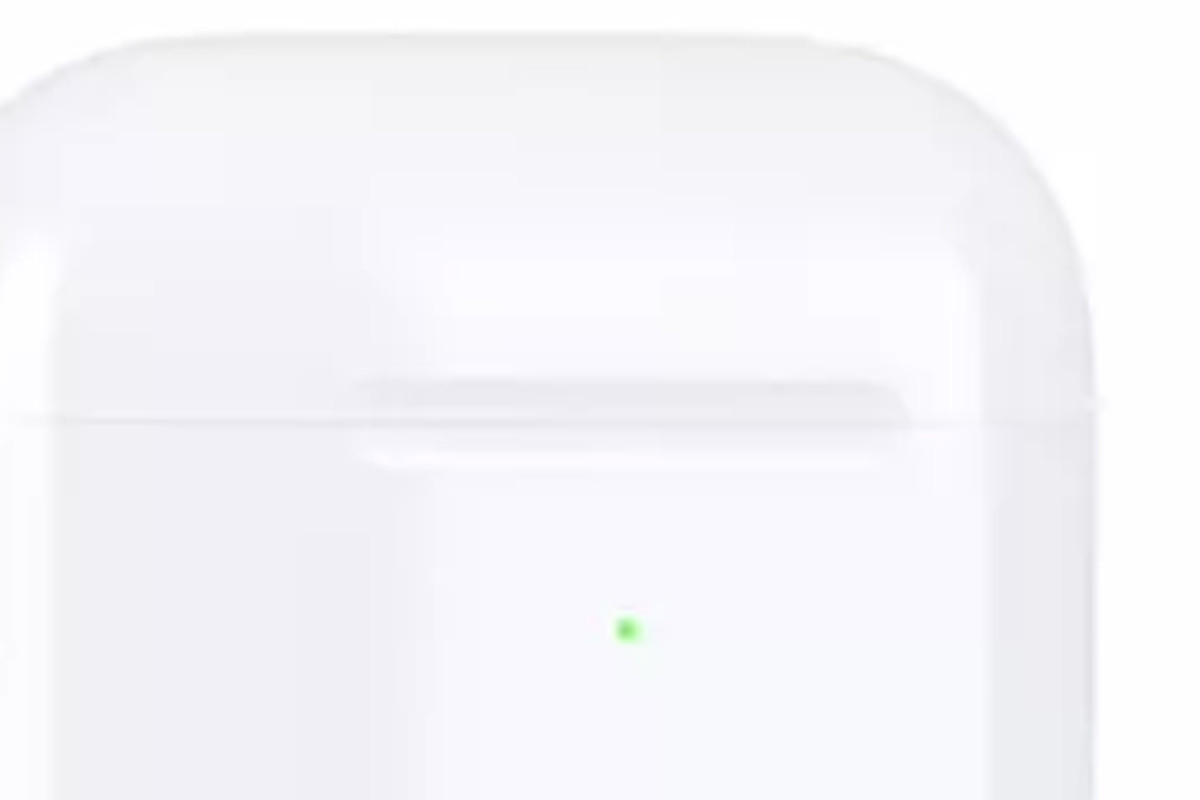 buy popular de83b e321f Does this little green dot mean a new AirPods case is imminent ...