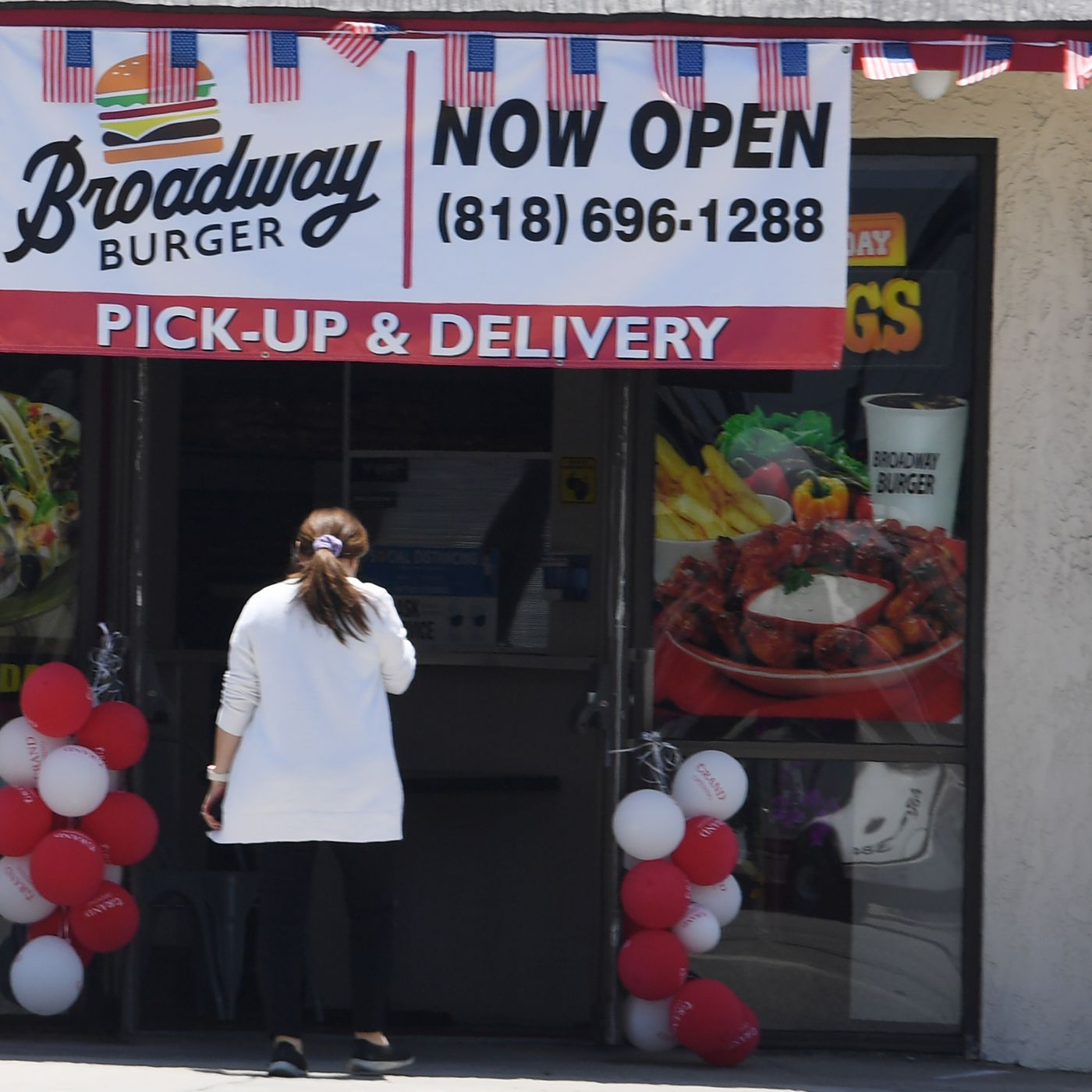 La Fines Restaurants And Businesses For Posting We Re Open Signs During Pandemic Eater La