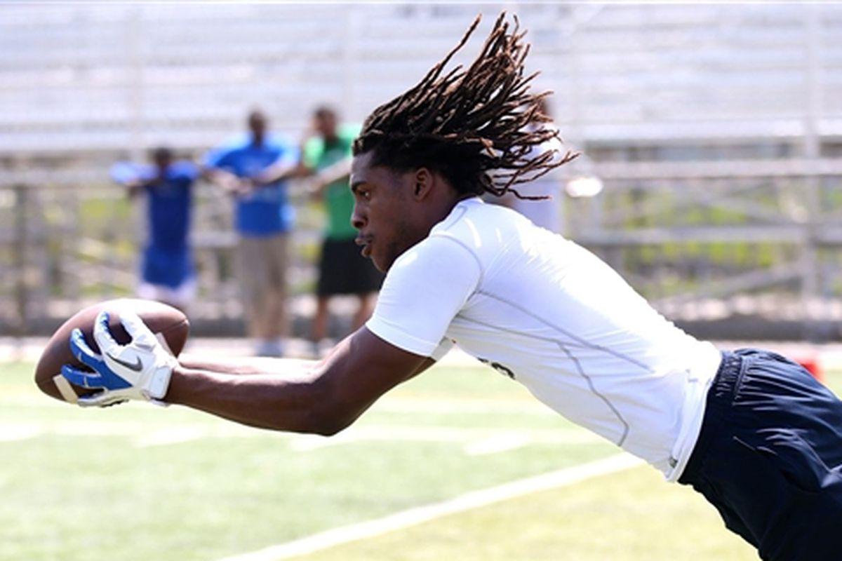 Dionte Mullins shows his athleticism