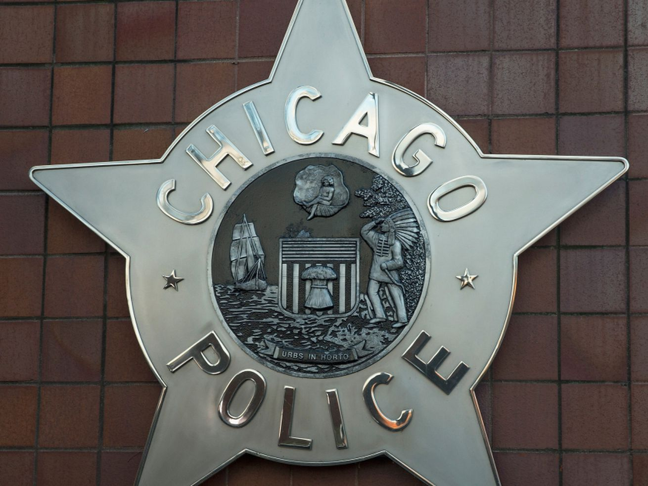 Armed robberies reported in Bronzeville (2)