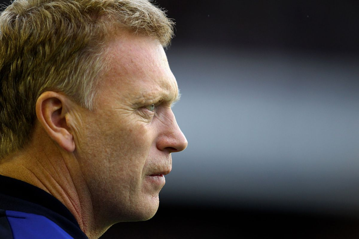 LIVERPOOL, ENGLAND - AUGUST 20:  Everton Manager David Moyes looks on prior to the Barclays Premier League match between Everton and Queens Park Rangers at Goodison Park on August 20, 2011 in Liverpool, England.  (Photo by Alex Livesey/Getty Images)