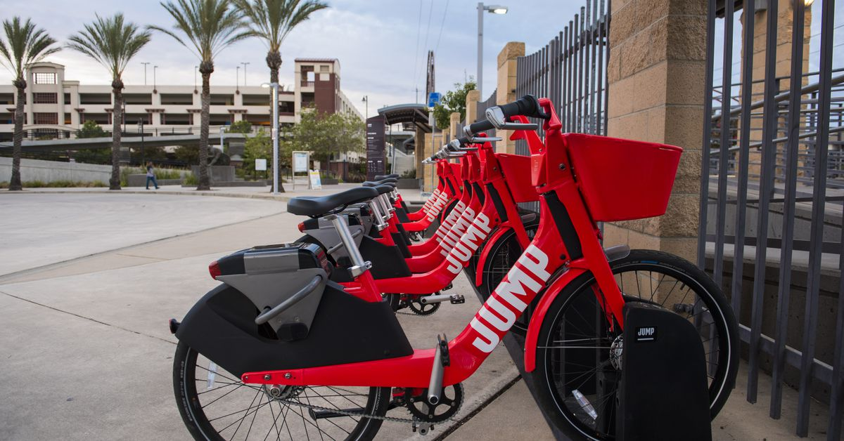 Uber Ceo Dara Khosrowshahi Announces Bet Bikes And Transit Curbed