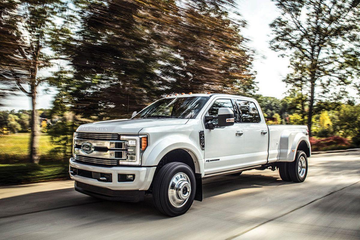 Big Ford Trucks >> Ford F 350 Super Duty Fills Big Feature Demand By Truck