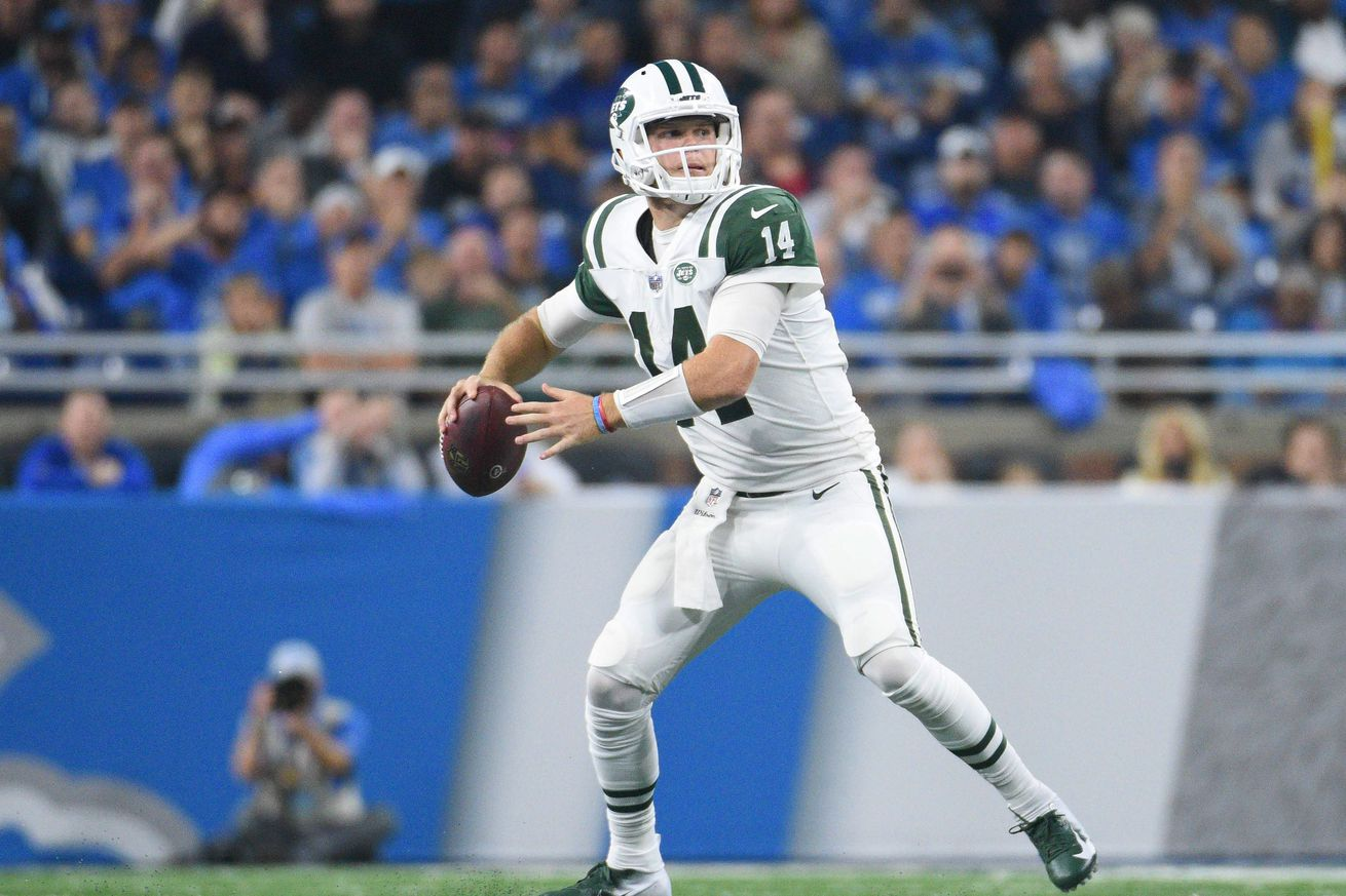 Should the Jets play Sam Darnold again this year?