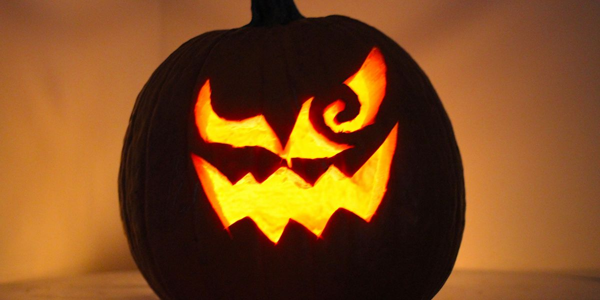 Image of article 'Check out 's jack-o-lantern tributes to video game ghosts'