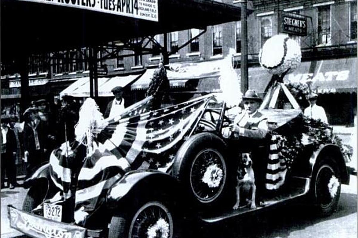 "Opening Day Parade, 1925 - via <a href=""http://www.arcadiapublishing.com/9780738560533/Cincinnati-s-Historic-Findlay-Market"" target=""new"">Cincinnati's Historic Findlay Market</a>"