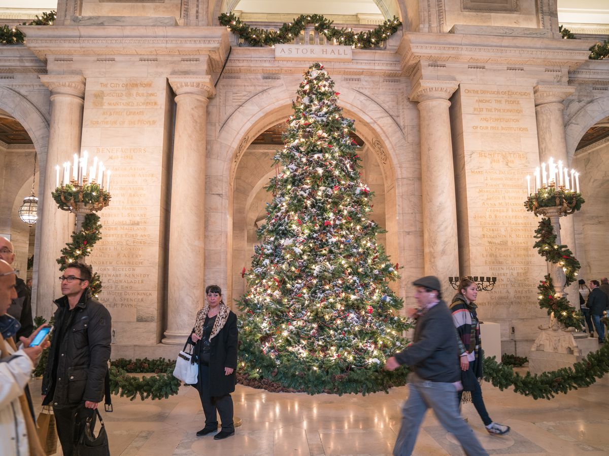 12 Christmas Tree.Where To Find 12 Of Nyc S Festive Christmas Trees Curbed Ny