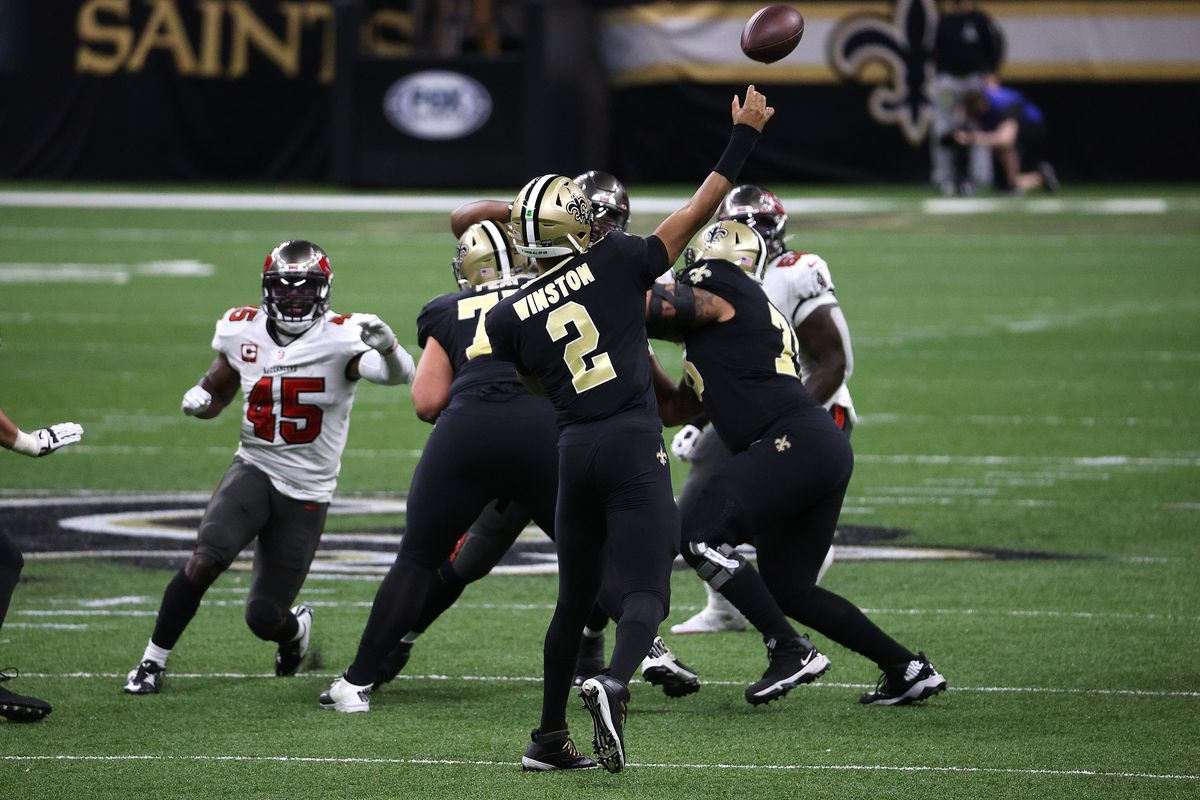 Jameis Winston #2 of the New Orleans Saints throws a pass against the Tampa Bay Buccaneers during the second quarter in the NFC Divisional Playoff game at Mercedes Benz Superdome on January 17, 2021 in New Orleans, Louisiana.