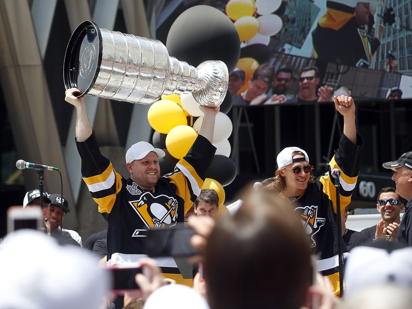 2827b99f23d Thursday s Coyotes Tracks - Kessel Bringing the Cup to TO  - Five For  Howling